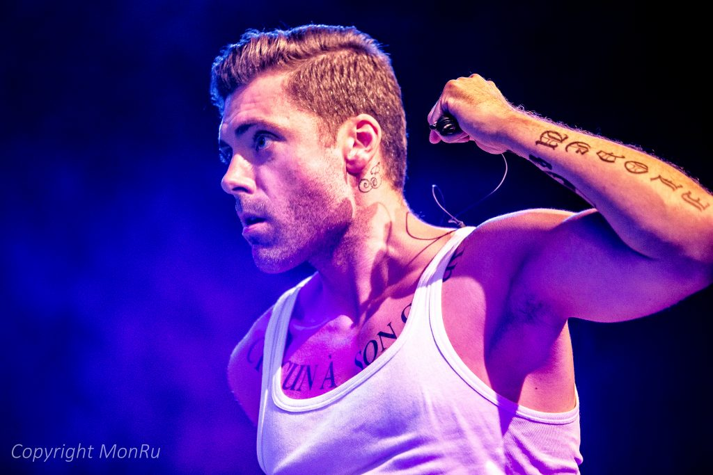 MARIO-N.-Robbie-Williams-Double-